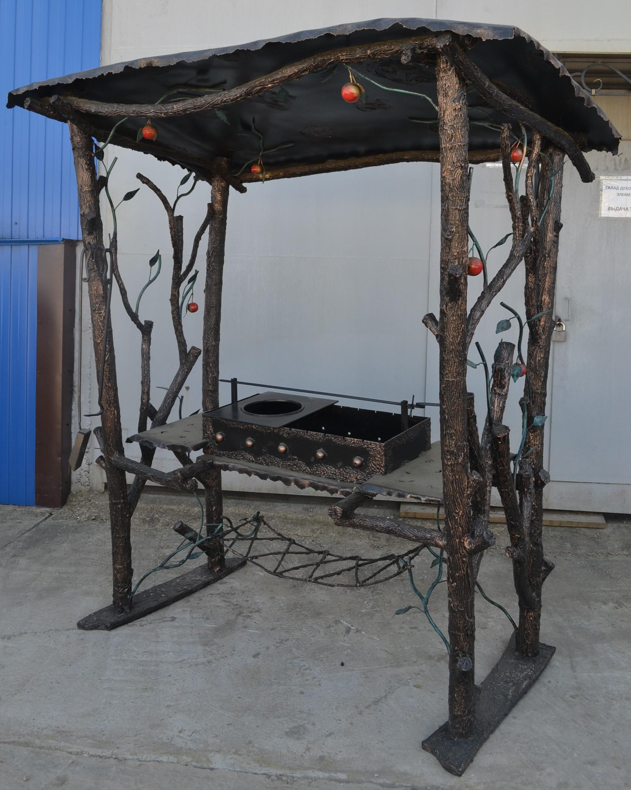Мангал с крышей из металла своими руками